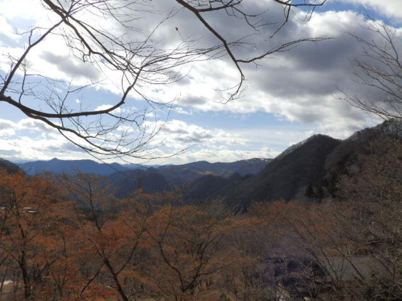 荒船ビューゾーン9-4、9-5区画敷地内から望む景色。この広がる景観、連なる山々を毎日の風景に。