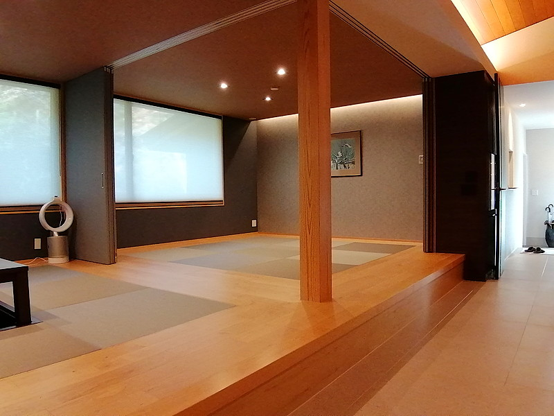 和モダンの空間では、趣味のスペースやゲストのくつろぎスペースとしても。
